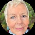 Linda Headshot (1)